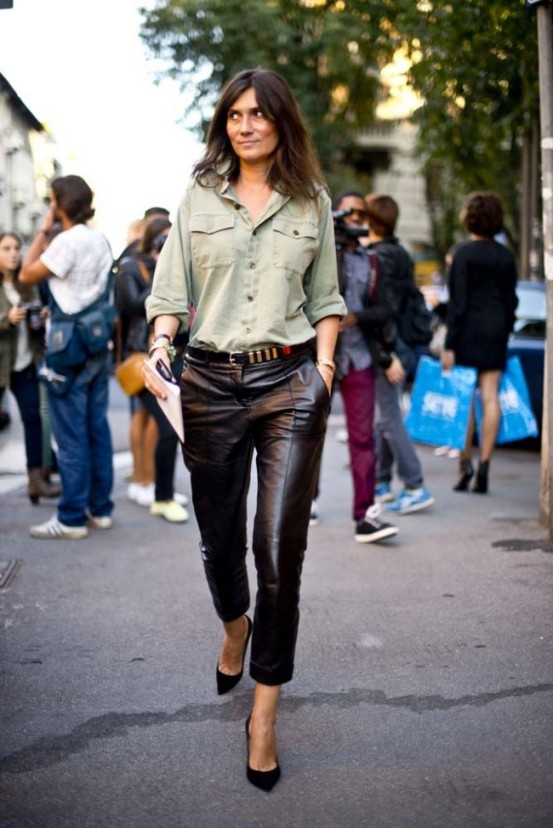 la-modella-mafia-Emmanuelle-Alt-street-style-chic-in-leather-trousers-and-pumps
