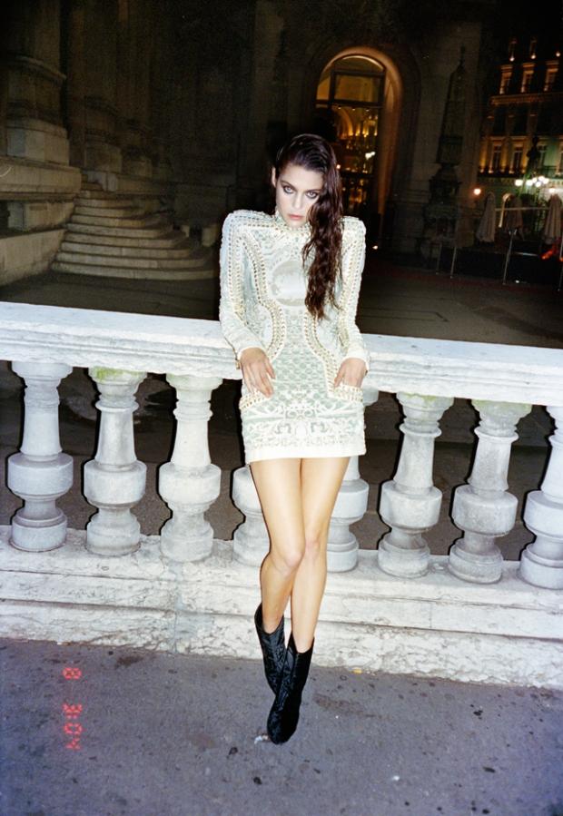 la-modella-mafia-Marina-Pérez-rocking-Balmain-in-Paris-x-S-Moda-photographed-by-Quentin-de-Briey-styled-by-Barbara-Martelo-7
