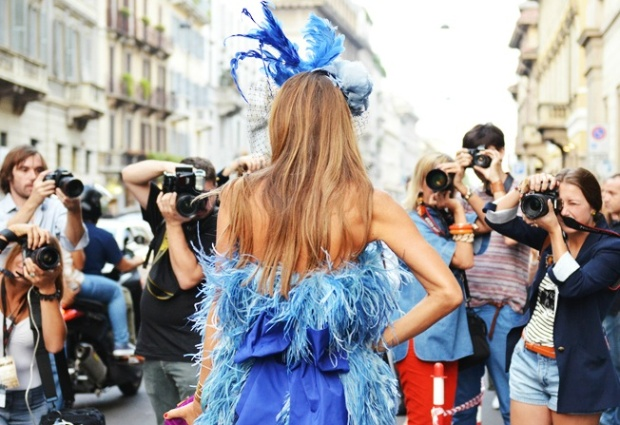 ANNA-DELLO-RUSSO-PHOTOGRAPHER-BACK-
