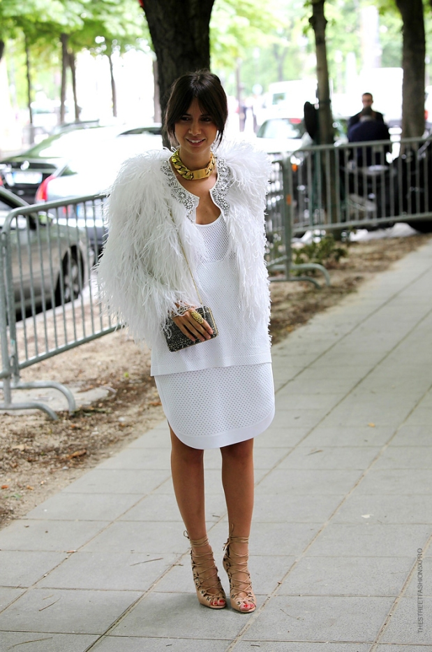 la-modella-mafia-Natasha-Goldenberg-fashion-editor-street-style-in-a-white-fur-Celine-chain-necklace-and-hand-piece-2