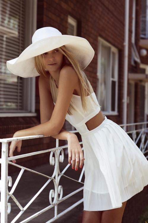 straw hat street style fashion white dress 009