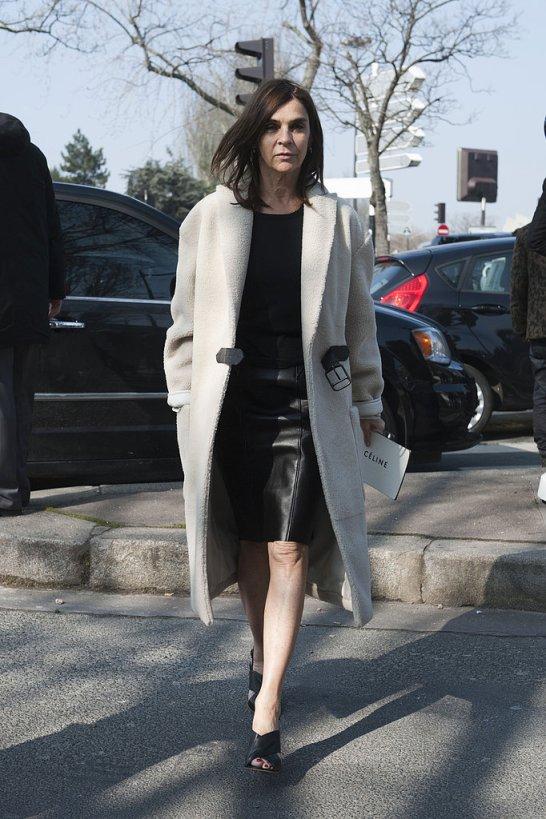 carine-roitfeld-paris-fashion-week-streetstyle-fall-2013-black-white