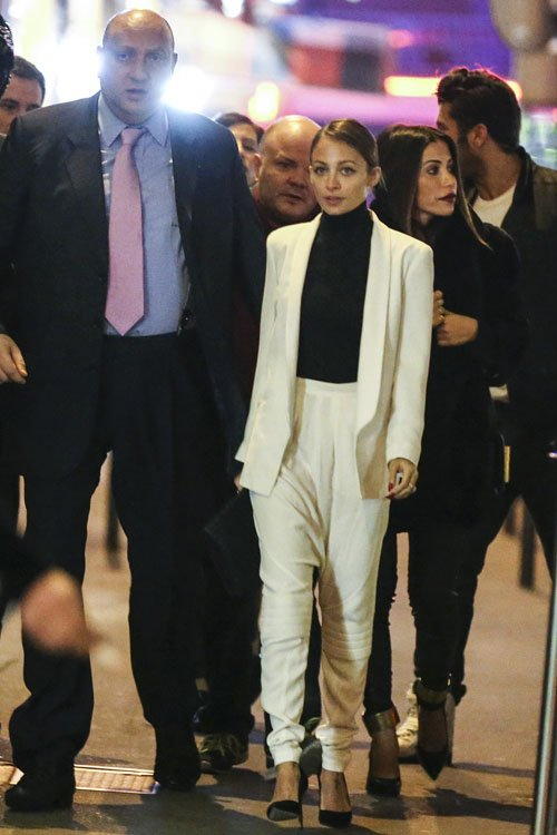 nicole-richie-caviar-kaspia-paris-bill-blass-white-harem-pants-1