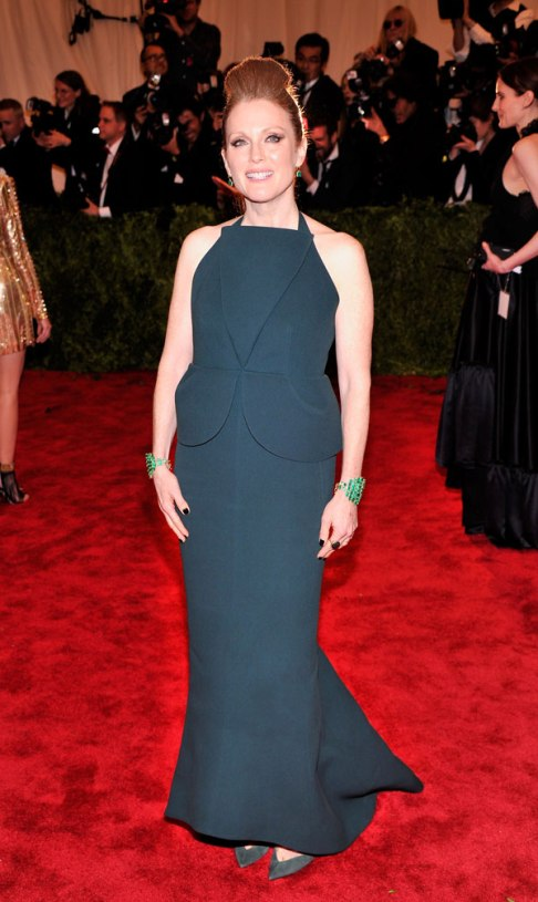 hbz-met-ball-2013-julianne-moore-xln