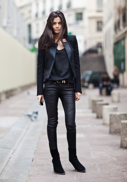 la-modella-mafia-Barbra-Martelo-model-fashion-editor-street-style-in-all-black-everything-Balmain