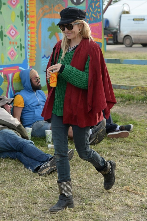 celebrities_en_el_festival_de_glastonbury_2013_533035871_800x