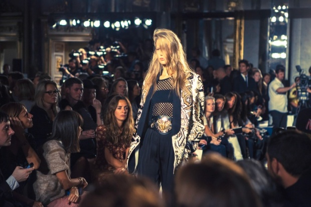 emilio-pucci-rtw-ss2014-backstage-15_193757612875.jpg_carousel_parties
