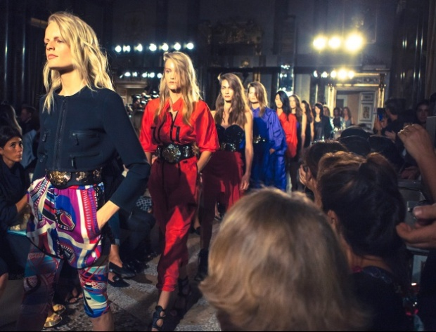 emilio-pucci-rtw-ss2014-backstage-17_193759162481.jpg_carousel_parties