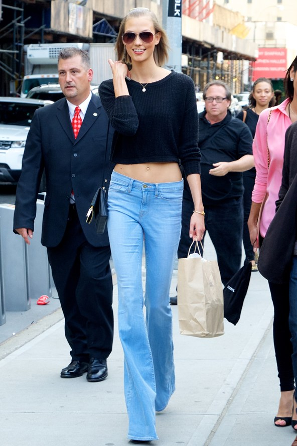Karlie-Kloss-Vogue-10Sept13-Wenn_b_592x888