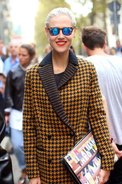 street-style-milan-fashion-week.sw.35.vf-street-style-mss14-06-ss25