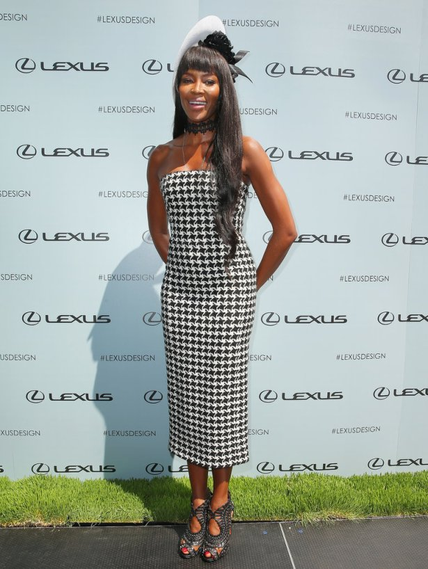 Naomi-Campbell-wearing-Dior-Philip-Treacy