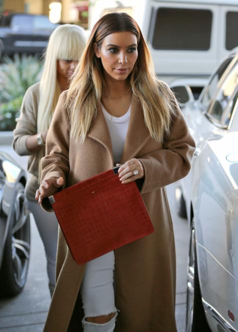 Kim Kardashian Street Fashion Stylesnooperdan