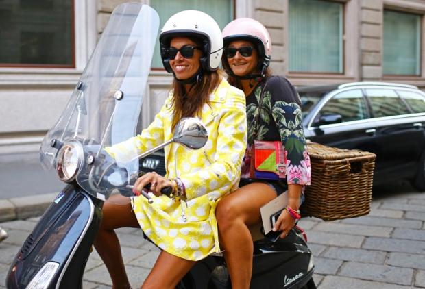 viviana-volpicella-moped