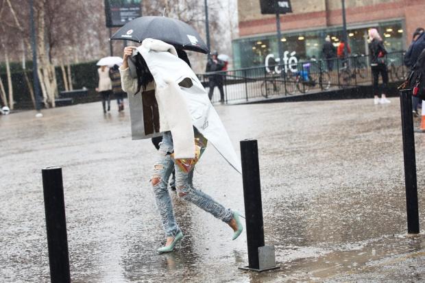 jeans-strappati-biker-jacket-pelle-bianca_hg_temp2_m_full_l