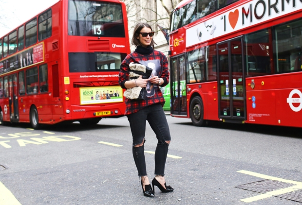 lfw-street-style-day-3-16_145436168653