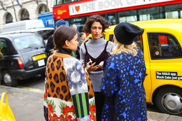 lfw-street-style-day-3-3_145439635213