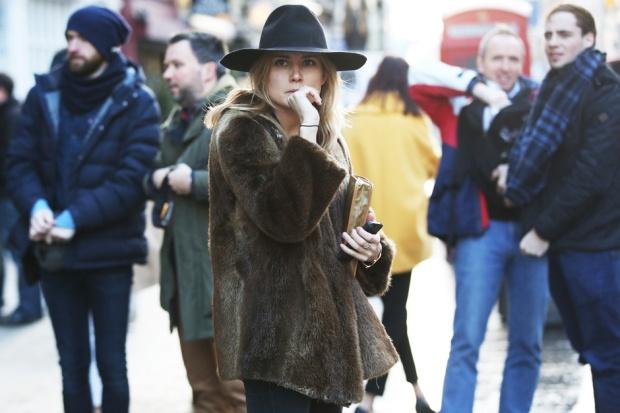 london-street-style-cappello-pelliccia_hg_temp2_m_full_l