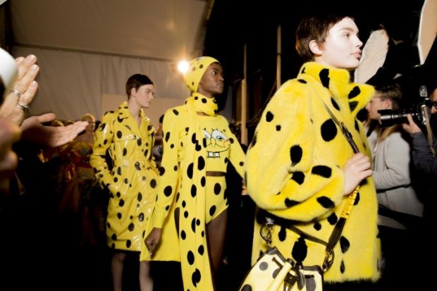 moschino-rtw-fw2014-backstage-19_200403266019.jpg_carousel_parties