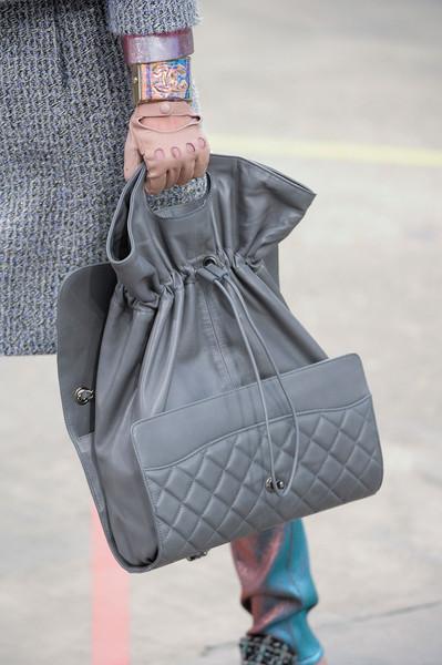 Chanel+Fall+2014+Details+AujnPEo0Ud7l