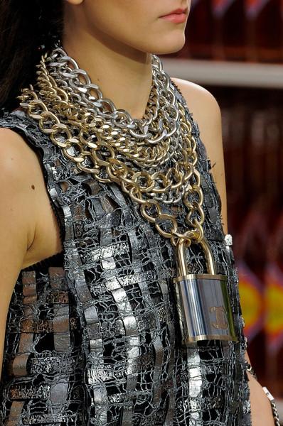 Chanel+Fall+2014+Details+vdvu7q47tPol