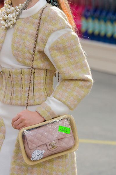 Chanel+Fall+2014+Details+VkFbgK94cP3l