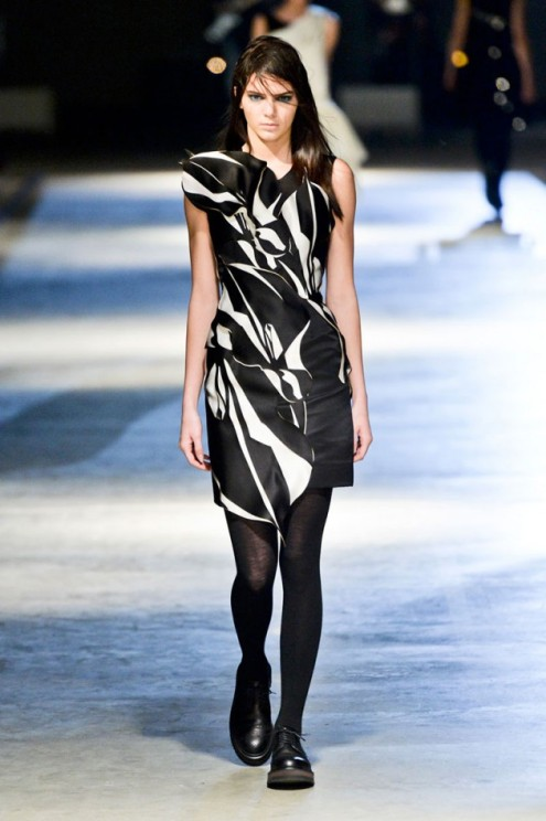 hbz-Giles-lfw-fw2014-kendall-jenner-e1393484157155