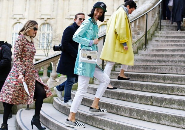 pfw-street-style-day5-17_145449244094