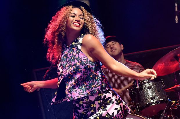 Beyonce-at-Coachella-3407894