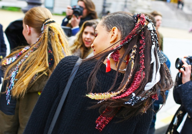 chanel-feather-streetstyle-philoh